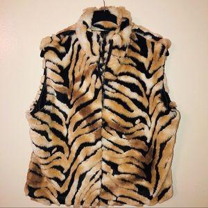 Cejon Tiger Striped Fully Lined Faux Fur Vest